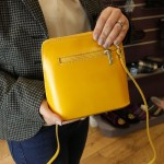 Vera Pelle Womens Yellow Square Cross Body Leather Bag