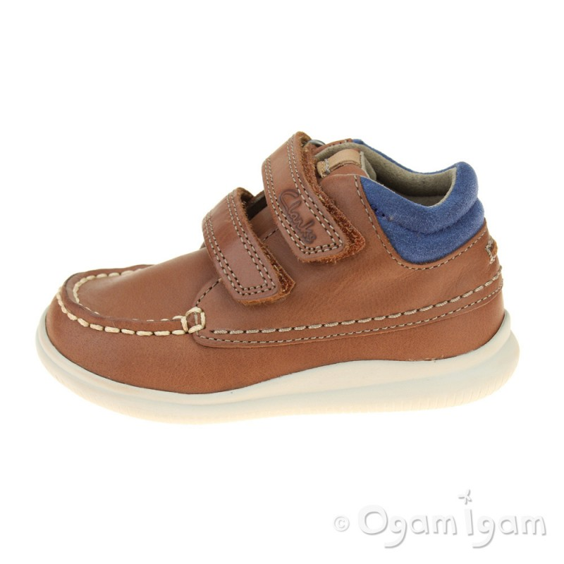 8fcad310fcba17 ... Clarks CloudTuktu Fst Boys Tan Boot ...