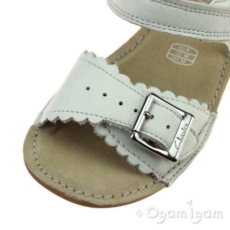 63de278780d ... Clarks IvyBlossom Inf Girls White Sandal ...
